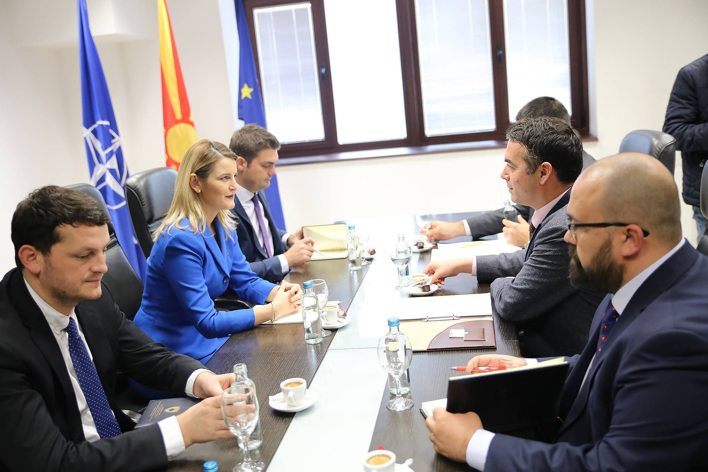 Minister of European Integration, Dhurata Hoxha met with Macedonia's chief diplomat, Nicola Dimitrov
