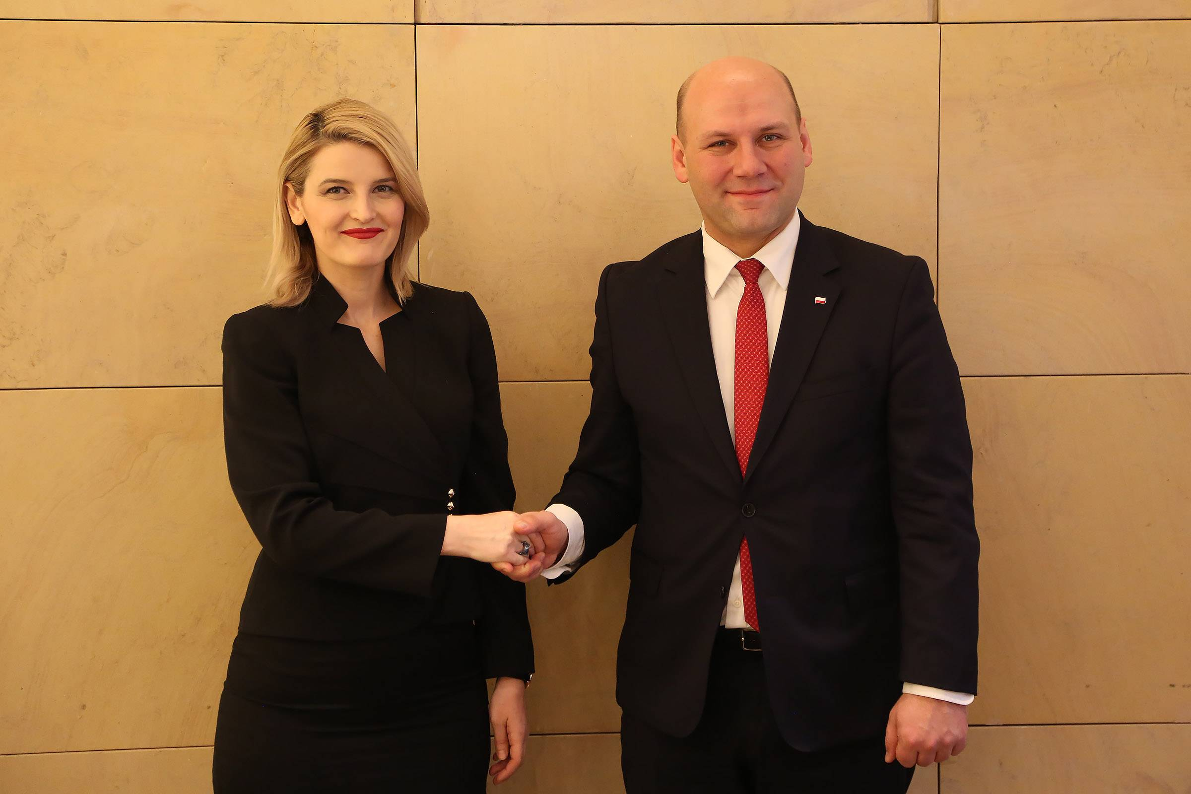 Minister Hoxha continues lobbying, secures Poland's support