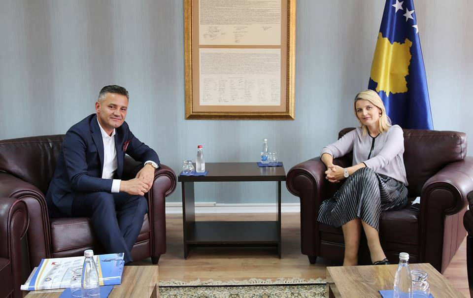 Minister Hoxha met Bekim Jashari, Central and local level cooperation is important for the integration process