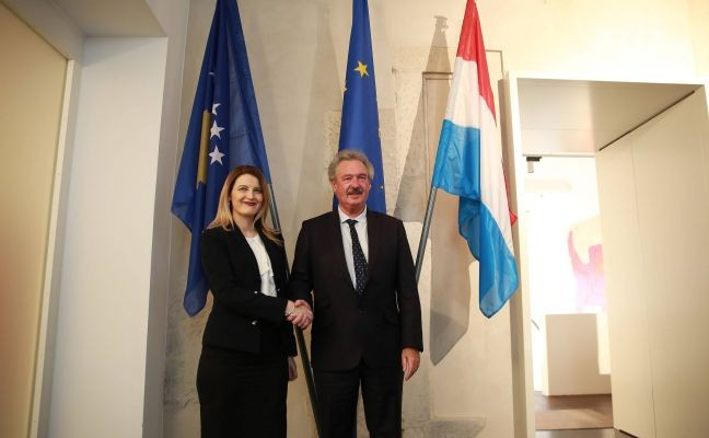 Minister Hoxha obtains the strong support from Minister of Foreign
