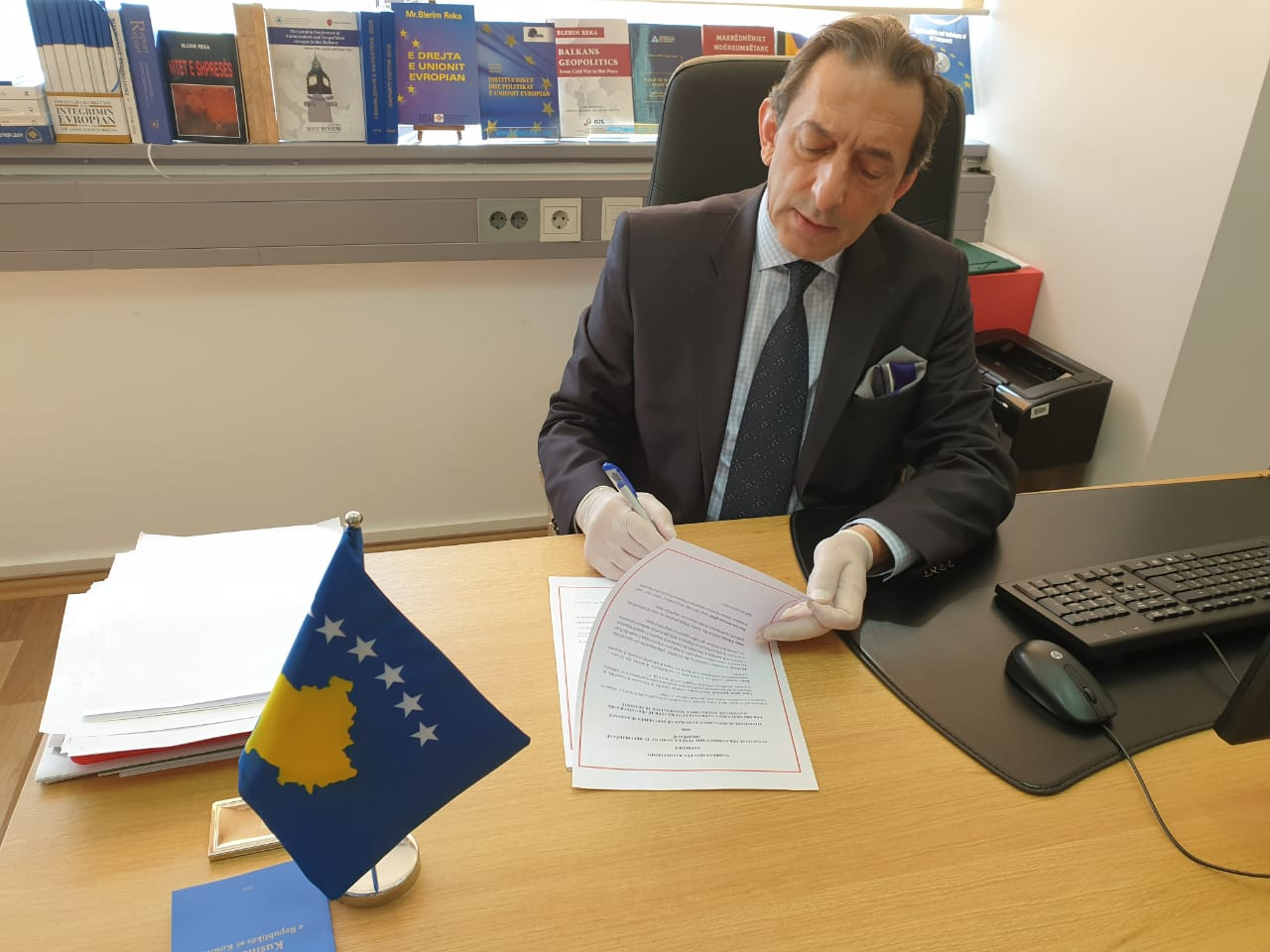 Kosovo and Albania committed to the EU